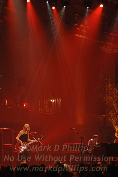 Sheryl Crow performs at Cipriani Wall Street on April 26, 2005; The 2005 Wall Street Concert Series Benefiting Wall Street Rising Sponsored by de Grisogono and Performance By Sheryl Crow