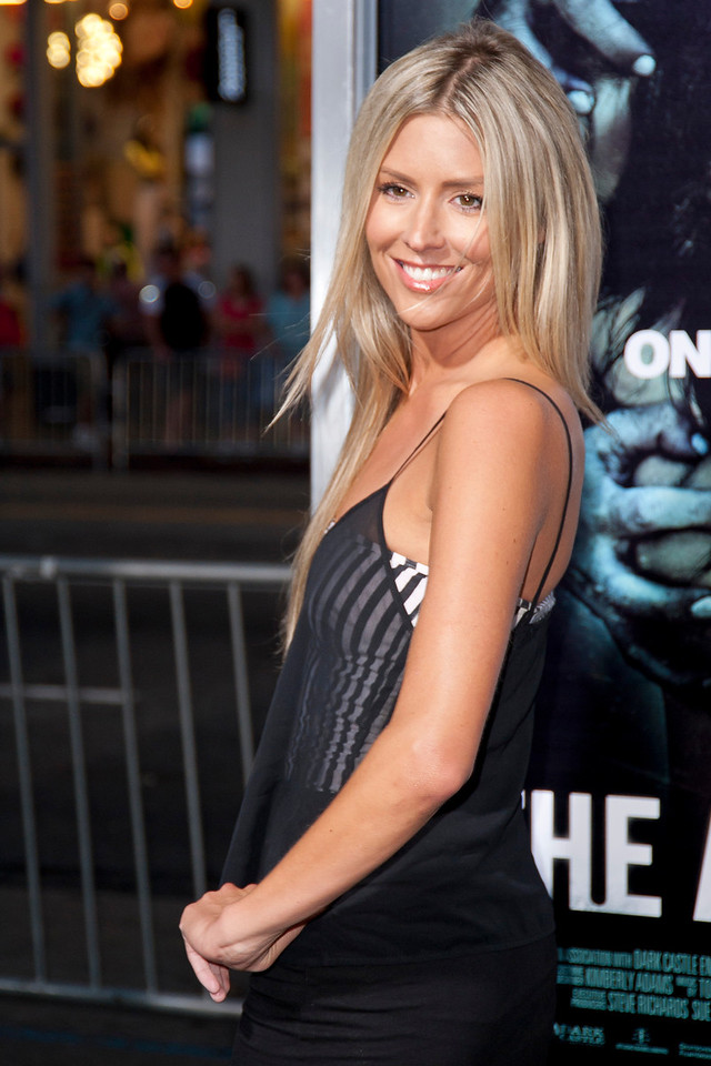 HOLLYWOOD, CA - AUGUST 23: Natalie Getz arrives to the premiere of Warner Bros. Pictures' 'The Apparition' at Grauman's Chinese Theatre on Thursday, August 23, 2012 in Hollywood, California. (Photo by Tom Sorensen/Moovieboy Pictures)