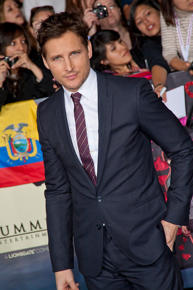 LOS ANGELES, CA - NOVEMBER 12: Actor Peter Facinelli arrives at the premiere of Summit Entertainment's 'The Twilight Saga: Breaking Dawn - Part 2' at Nokia Theatre L.A. Live on Monday, November 12, 2012 in Los Angeles, California. (Photo by Tom Sorensen/Moovieboy Pictures)