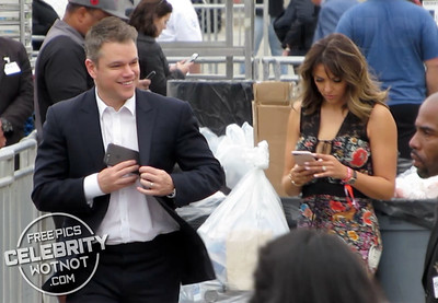 EXCLUSIVE: Matt Damon Perfect Gentleman Takes Off Jacket To Keep Wife Warm!