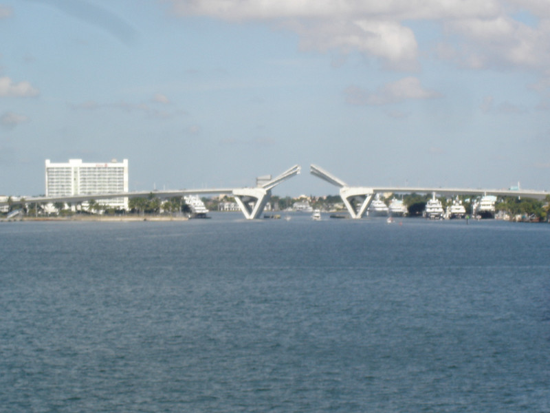 17th st bridge opened up across the harbor
