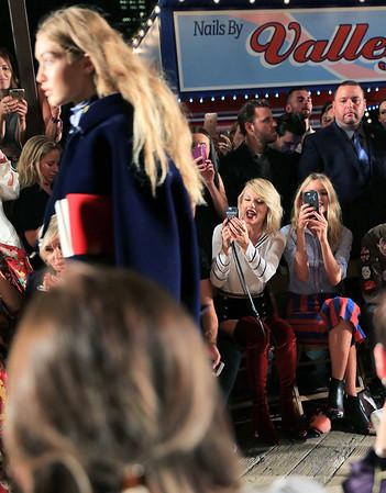 Taylor Swift,Martha Hunt,Gigi Hadid, Lewis Hamilton