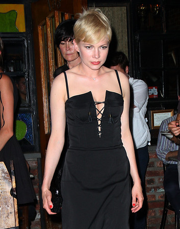 Non-Exclusive<br /> 2012 June 21 - Jason Segel and Michelle Williams out for dinner in NYC. Photo Credit Jackson Lee