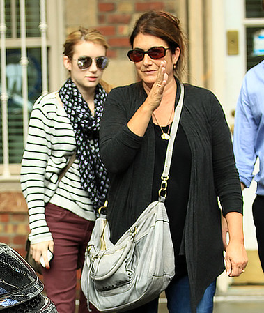 Non-Exclusive <br /> 2011 Sept 22 - Emma Roberts and mom Kelly Cunningham out and about in NYC. Photo Credit Jackson Lee