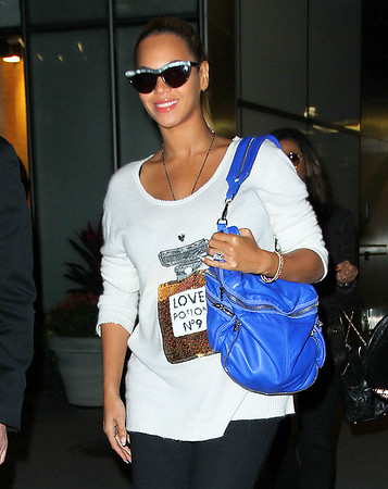 NON EXCLUSIVE<br /> 2011 Oct 20 - Beyonce Knowles is all smiles while out and about wearing a 'Love Potion No. 9' in NYC.  Photo Credit Jackson Lee