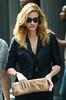 20 Aug 2009 - Julia Roberts on the set of 'Eat, Pray, Love' in NYC.  Photo Credit Jackson Lee