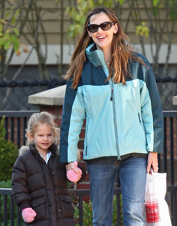 12 Oct 2009 - Jennifer Garner and Violet Affleck go to coffee in Boston, MA.  Photo Credit Jackson Lee