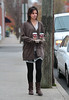 13 Nov 2009 - Katie Holmes goes for coffee in Southold, Li, NY.  Photo Credit Jackson Lee