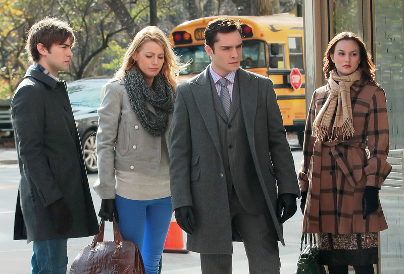18 Nov 2009 - Blake Lively, Chace Crawford, Ed Westwick, Leighton Meester films a walk and talk scene for Gossip Girl in NYC. Photo Credit Jackson Lee
