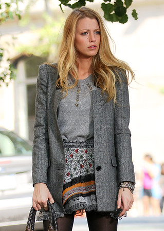 2010 Sep 23 - Blake Lively on the set 'Gossip Girl' in NYC. Photo credit Jackson Lee