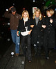 13 November 2008 - Kelly Ripa goes for dinner with four out-of-town friends at La Esquina (Corner Deli).   Photo Credit FZS/SIPA