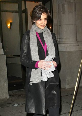 03 January 2009 - Katie Holmes head out to the Schoenfeld Theatre for the evening performance of 'All My Sons'. Photo Credit Jackson Lee