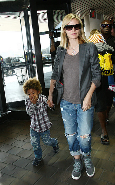 14 April 2009 - Heidi Klum and Seal take their kids to LaGuardia Airport in NYC.  Photo Credit Jackson Lee