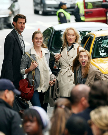4 June 2009 - Meryl Streep films a scene for UNMP in NYC. Jackson Lee
