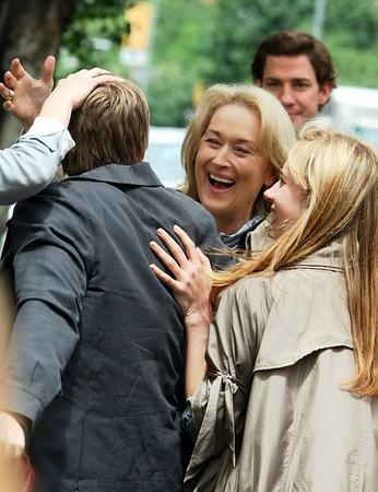 4 June 2009 - Meryl Streep films a scene for UNMP in NYC. Jackson Lee
