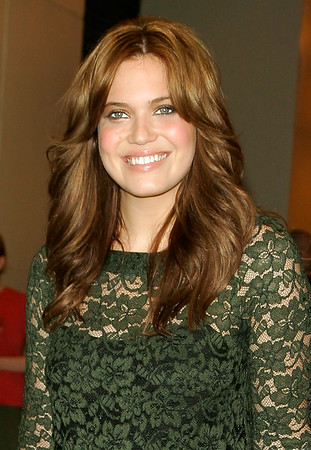 19 June 2007 - New York, NY - Mandy Moore departs from MTV TRL Studio.  Photo Credit Jackson Lee