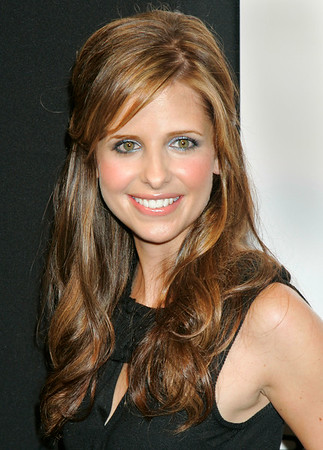 19 Sept 2006 - New York, NY - Sarah Michelle Gellar at the launch party for Club Phi hosted by Baume and Mercier.  Photo Credit Jackson Lee