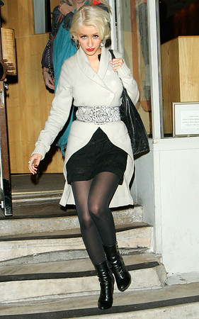 *** EXCLUSIVE ***<br /> 11 Nov 2006 - New York, NY - Christina Aguilera out and about in Manhattan.  Photo Credit Jackson Lee