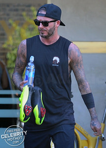 Victoria Beckham And David Beckham Leave Soul Cycle