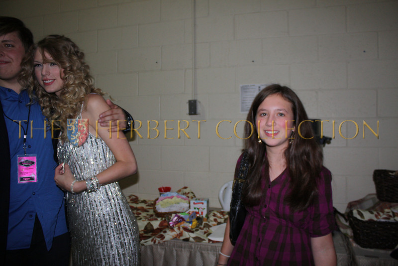 Back stage with Taylor Swift