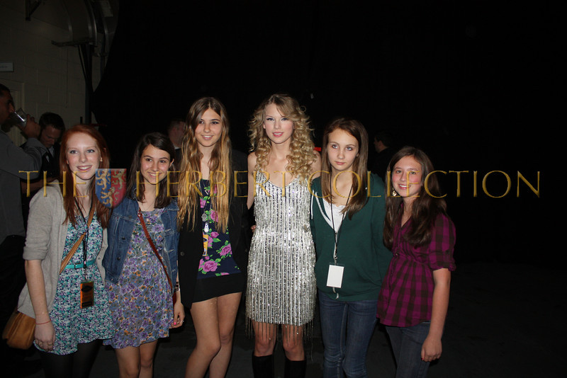 Group of Taylor Swift fans including Alana Galloway
