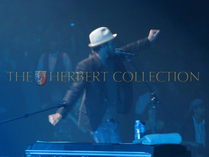 Justn Timberlake sings to Las Vegas