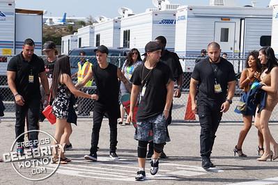 Justin Bieber Skateboarding Plus Meets Fans Wearing All Black In Santa Monica, CA