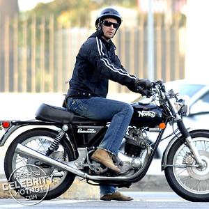 EXC: Keanu Reeves On Norton 750 Commando Motorbike!