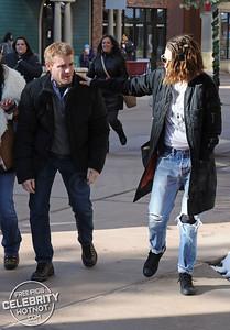 """Who Has The Key? Kristen Stewart Wears Two """"Punk"""" Locks Round Her Neck!"""