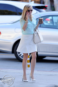 EXCLUSIVE: Don't You Know Who I Am? Reese Witherspoon Has Name Written On Her Starbucks Coffee Cup!