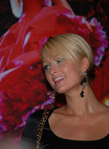 Paris Hilton CAN CAN Fragrance Launch at Macy's<br /> November 14, 2007 - Macy's, Center City<br /> Philadelphia, Pennsylvania United States