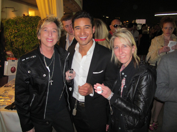 Big Bang New Year's Eve 2011 - Mario Lopez & Connor Cruise