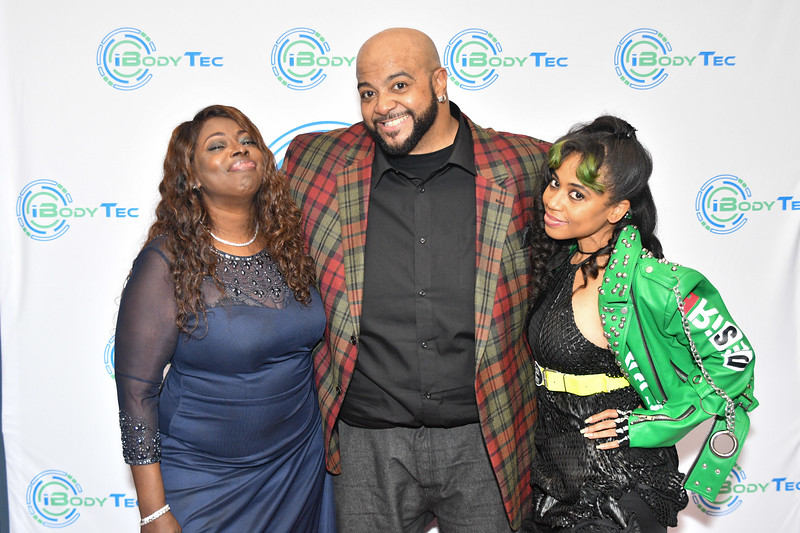 Singers, Angie Stone, David Tolliver and Reigndrop Lopes