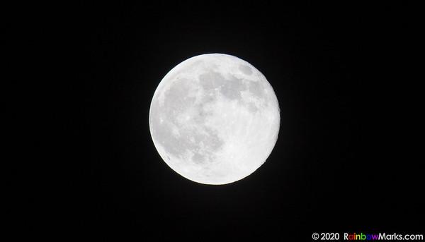 Moon over Wildwood, Missouri