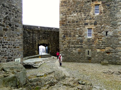 I saw that row of rocks that Em is standing on - in the scene where Jamie was rescuing Claire.