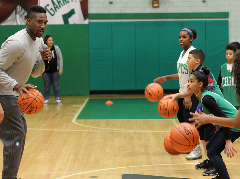 Lynn, Ma. 5-24-17. Boston Celtic legend Leon Powe worked with kids from the Lynn YMCA during a basketball clinic there.