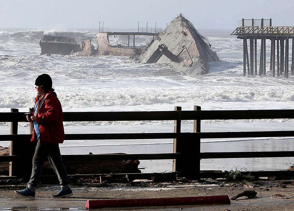 . The SS Palo Alto at Rio Del Mar in Aptos was pummeled by waves on Saturday, causing the stern of the cement ship to break off. (Kevin Johnson -- Santa Cruz Sentinel)
