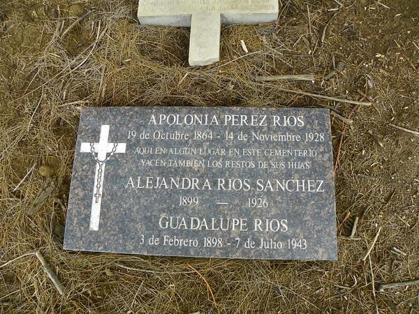 Apolonia, Alejandra and Guadalupe Rios