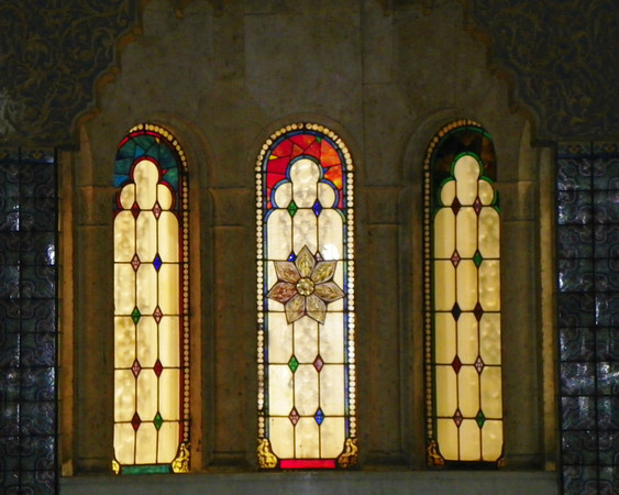 Angeles Mausoleum stained glass