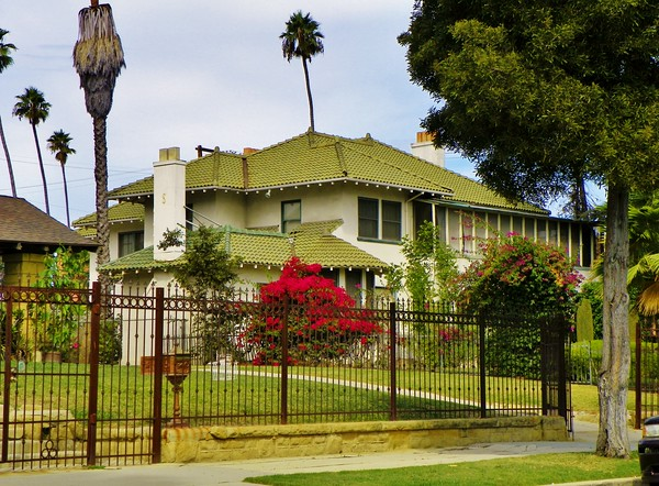 Hattie McDaniel's home. It is at 2203 S. Harvard Blvd., 3,047 feet from her grave.