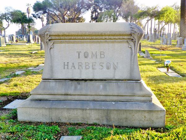 Tomb & Harbeson Memorial