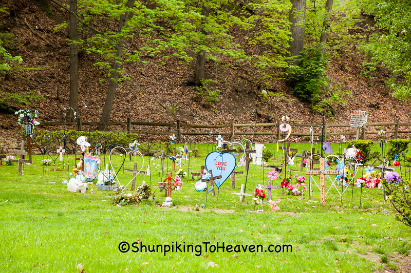 """""""Babyland,"""" Riverside Cemetery, Cleveland, Ohio"""