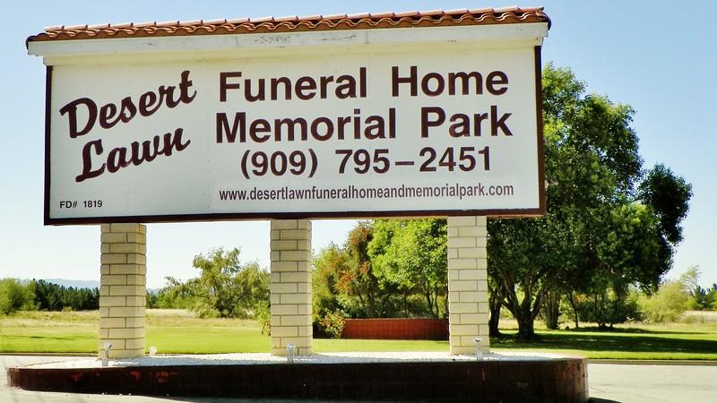 "<a href=""http://www.desertlawnfuneralhomeandmemorialpark.com/"">http://www.desertlawnfuneralhomeandmemorialpark.com/</a>"
