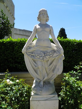"#267 - ""Goddess of the Dawn"" by G. Forzani<br /> I have found two copies of this sculpture. This one is to the right of the entrance to Memorial Terrace at the Great Mausoleum."