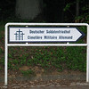 Sign: Deutscher Soldatenfriedhof