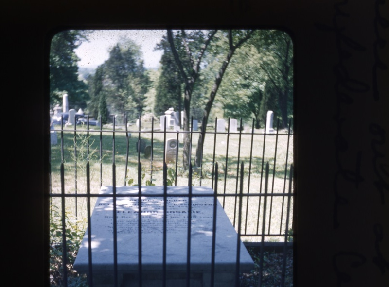Old City Cemetery Gravesite  (09743)