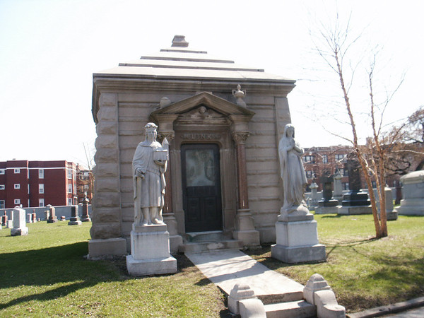 Link Mausoleum