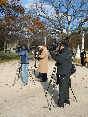 News crews (2, 7, 9 & 32)