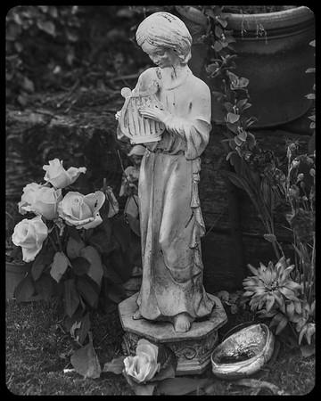 Memorial figure, Half Moon Bay cemetery