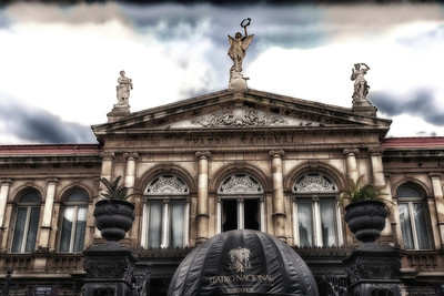 Teatro Nacional (National Theatre)